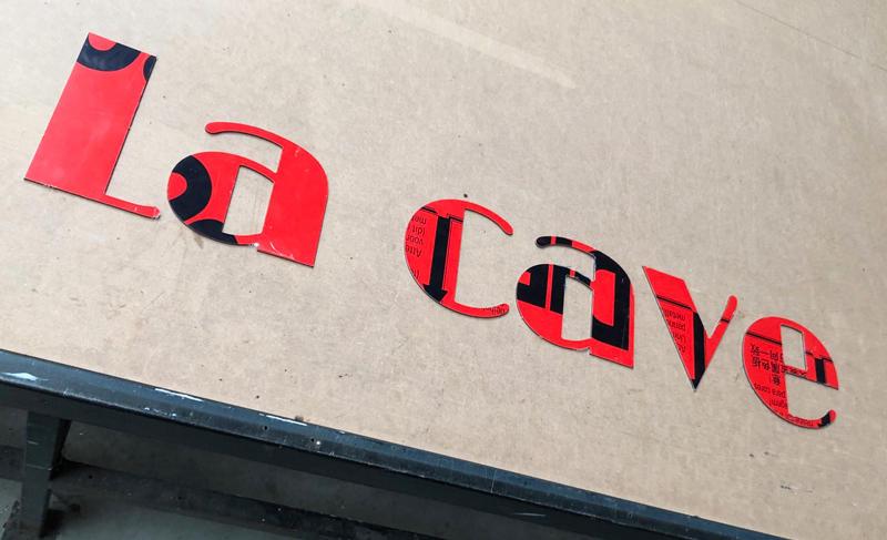 Enseigne en lettres découpées alu composite