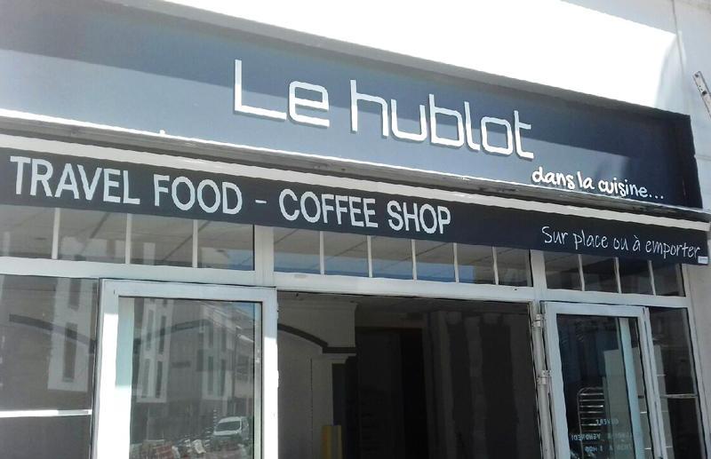 Enseigne lettres découpées coffee shop food