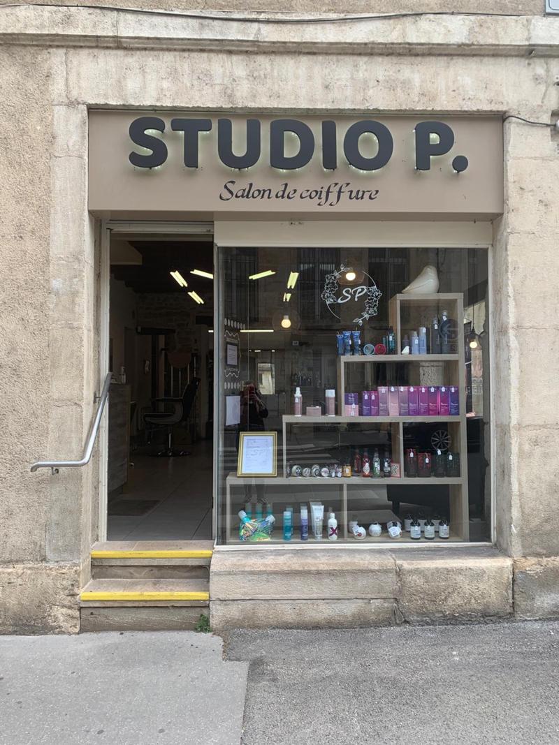 Fabricant d'enseigne lumineuse à leds en rétro éclairage pour un salon de coiffure sur Dijon