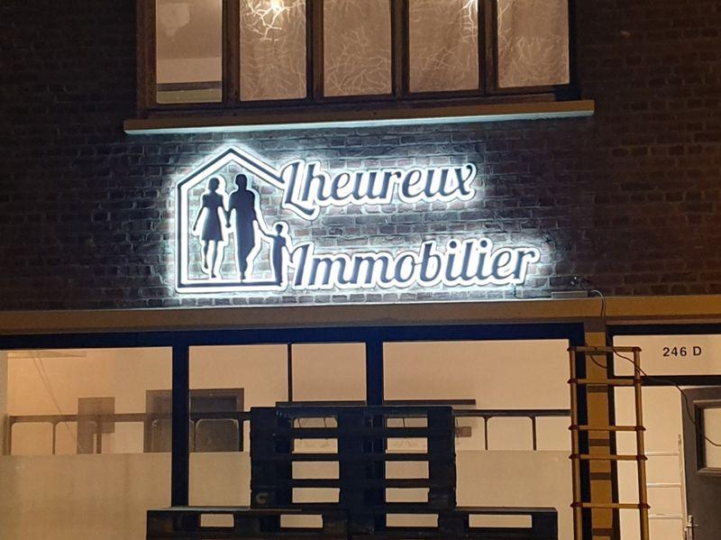 Enseigne retro éclairage leds pour une agence immobilière sur Tourcoing