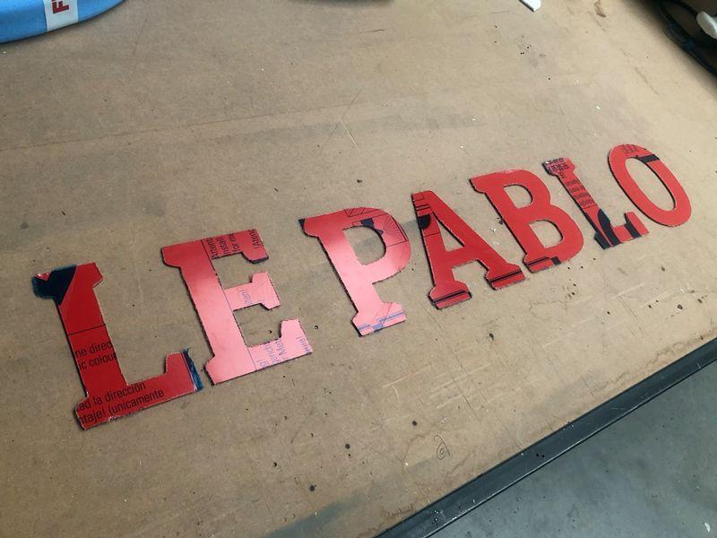 Enseigne alu en lettres découpées pour un restaurant et boite de nuit sur Paris