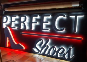 Enseigne leds magasin chaussures